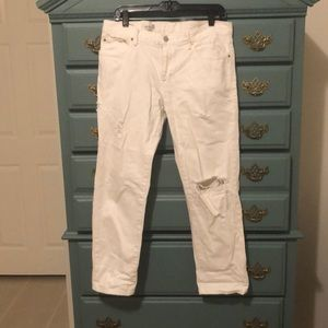 Gap white distressed boyfriend jeans size 28